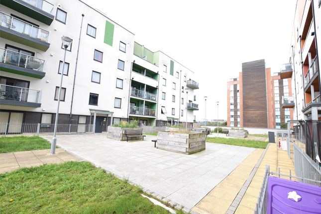 2 bed flat to rent in Priory Court, Wideford Drive, Romford RM7