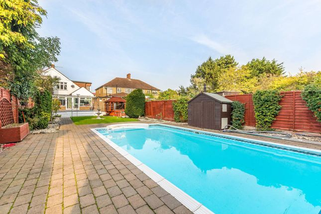 4 bed property for sale in Cheyne Avenue, Twickenham