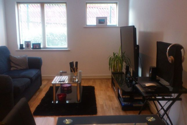 1 bed flat to rent in Bell Street, Maidenhead