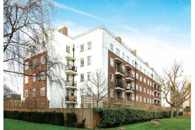 Thumbnail Flat to rent in Chagford House E3, London,