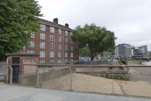 Thumbnail Flat for sale in Welland Street, Greenwich, London