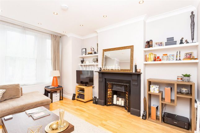 Thumbnail Flat for sale in Lyndhurst Road, London
