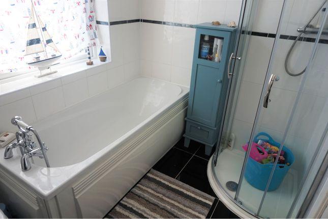 Bathroom of Steel Road, Birmingham B31
