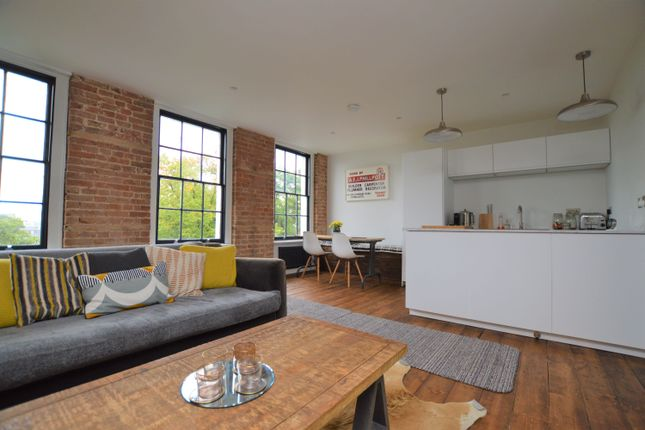 Thumbnail Flat to rent in Hawley Square, Margate
