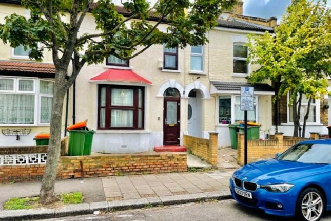 Thumbnail Terraced house to rent in West Road, Stratford