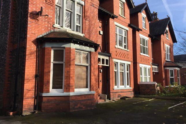 Thumbnail Flat to rent in Regent Road, Altrincham