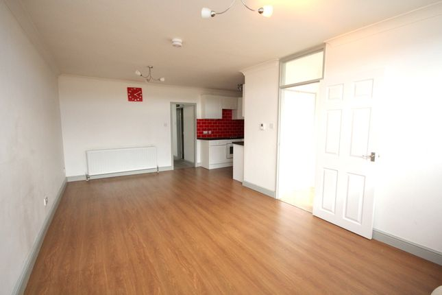 Thumbnail Flat to rent in Shopping Centre Flats, High Street, Gorleston, Great Yarmouth