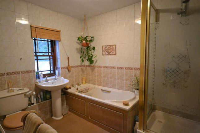 Bathroom of Cenarth, Newcastle Emlyn SA38