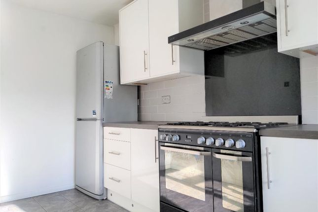 Thumbnail Flat to rent in Wisdons Close, Dagenham, London