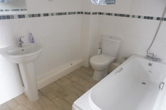 Bathroom of St Stephens Court, Maritime Quarter, Swansea SA1