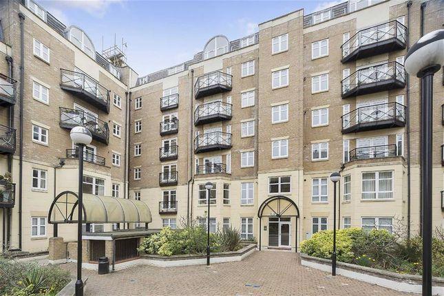 Thumbnail Flat to rent in Swan Street, London