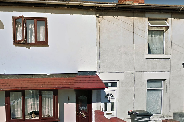 2 bed terraced house to rent in Suffolk Street, Swindon