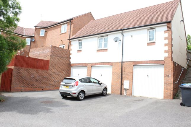 Thumbnail Town house to rent in Farnborough Avenue, Bilton, Rugby