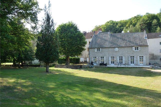 Thumbnail Property for sale in Bourgogne, Côte-D'or, Dijon
