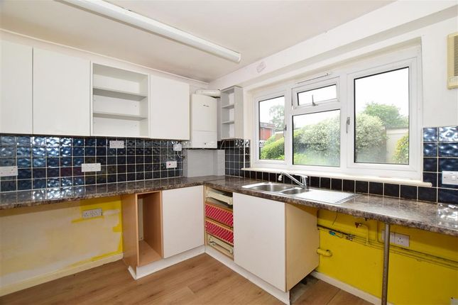 2 bed flat for sale in Newlands Crescent, East Grinstead, West Sussex RH19
