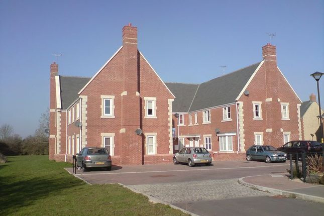 Thumbnail Flat for sale in Minnow Close, Swindon