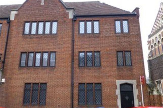 Thumbnail Flat to rent in Lawrence Sheriff Street, Rugby, Warwickshire