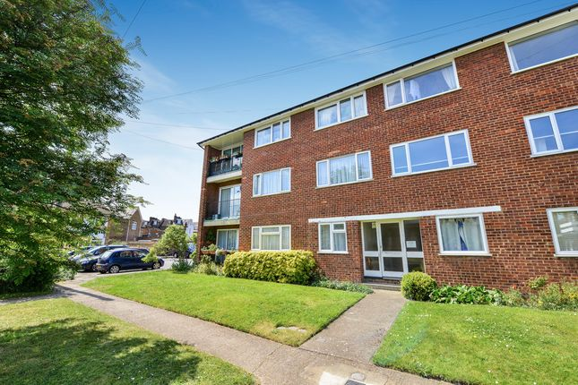 2 bed flat for sale in Brentwood Close, London