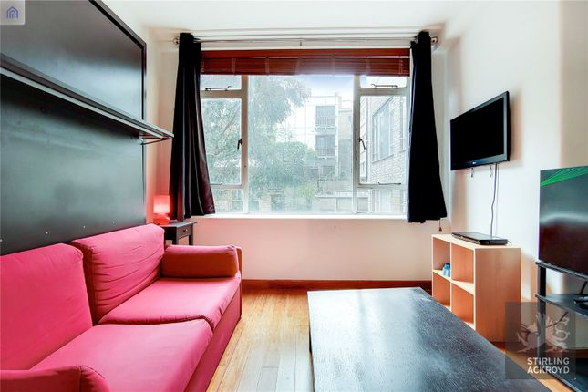 Studio to rent in Florin Court, 6-9 Charterhouse Square, London EC1M