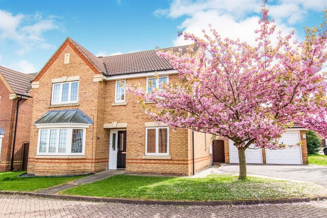 Thumbnail Detached house for sale in Corfe Close, Grantham