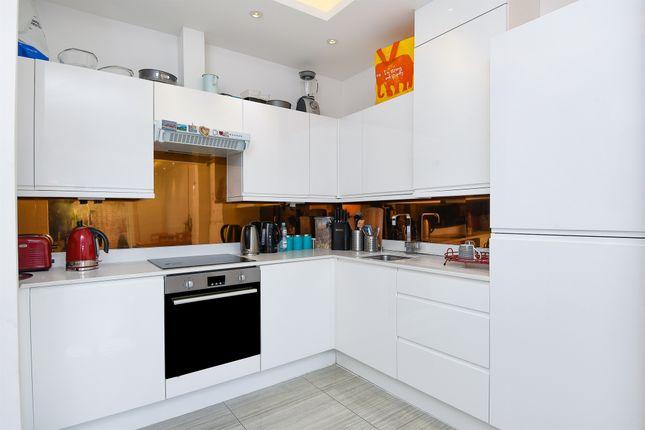 Thumbnail Flat for sale in Kingsbridge Avenue, Acton, London