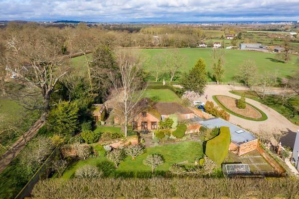 Thumbnail Cottage for sale in Crimp Hill Road, Old Windsor, Windsor, Berkshire