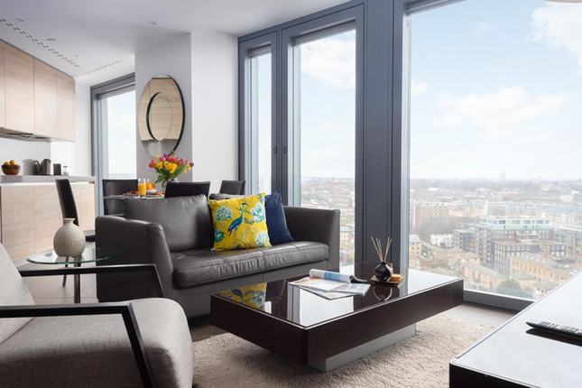 Thumbnail Flat to rent in Chronicle Tower, City Road, London, Elondon