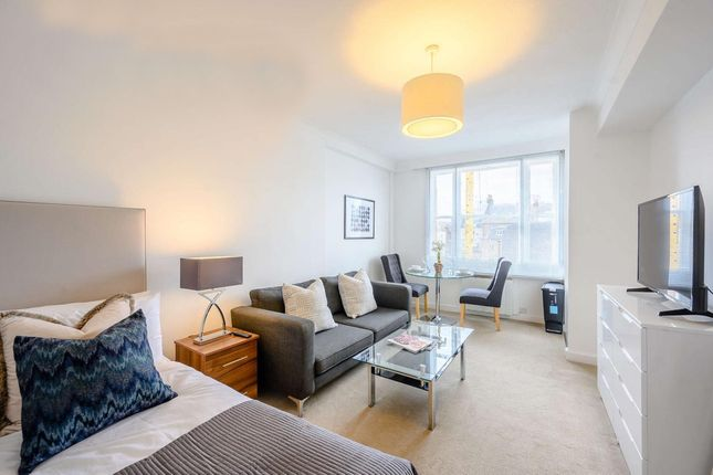 Flat to rent in Hill Street, Mayfair, London