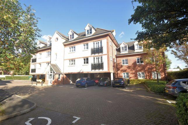 2 bed flat to rent in Coy Court, Aylesbury, Buckinghamshire HP20