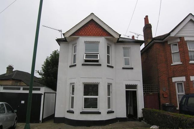 Thumbnail Property to rent in Malmesbury Park Road, Bournemouth