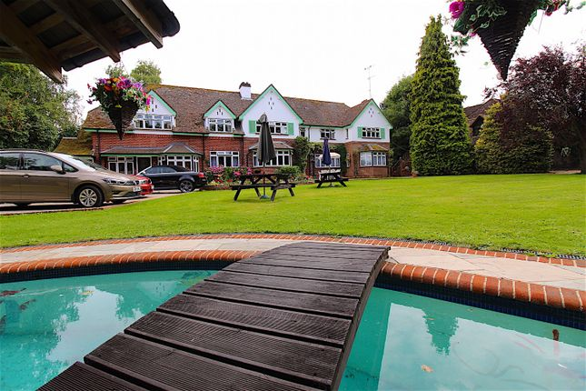 Thumbnail Detached house for sale in Grove Road, Basingstoke