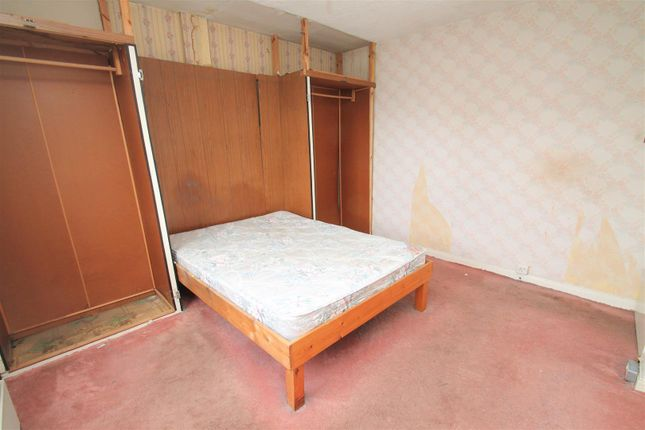 Bed 1 of Liggat Place, Broxburn EH52