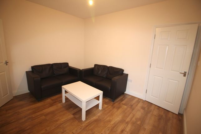 Thumbnail Flat to rent in Gaisbrough Grove, Newcastle Upon Tyne
