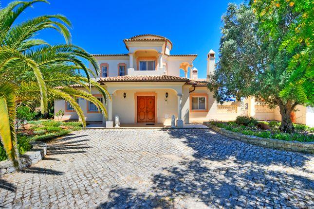 4 bed villa for sale in Santa Bárbara De Nexe, Faro, Portugal