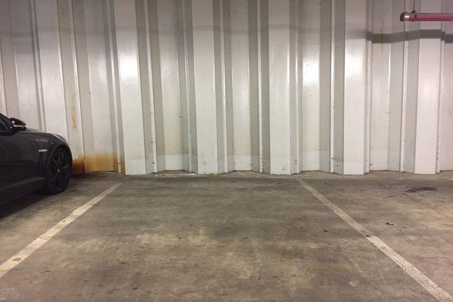 Parking/garage to rent in Highbury Stadium Square, London
