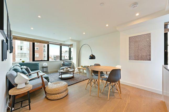 2 bed flat to rent in Blake Tower, Fann Street, Barbican EC2Y