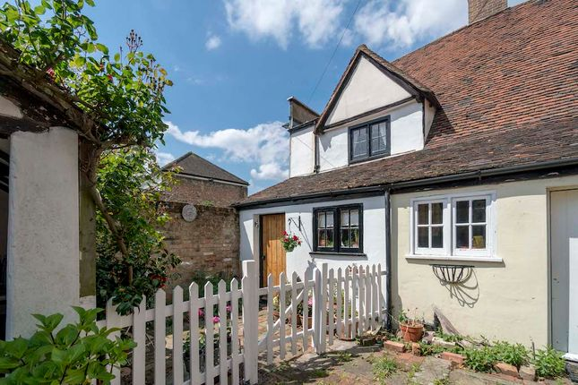 Thumbnail Cottage for sale in High Road, Chigwell