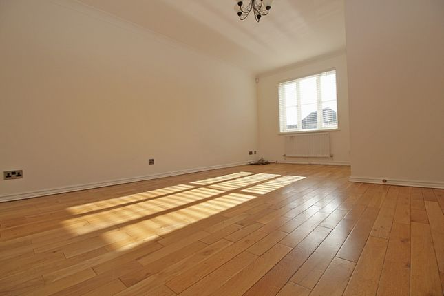 Thumbnail Terraced house to rent in High Street, Colnbrook