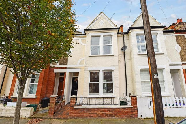 5 bed terraced house to rent in Laburnum Road, London