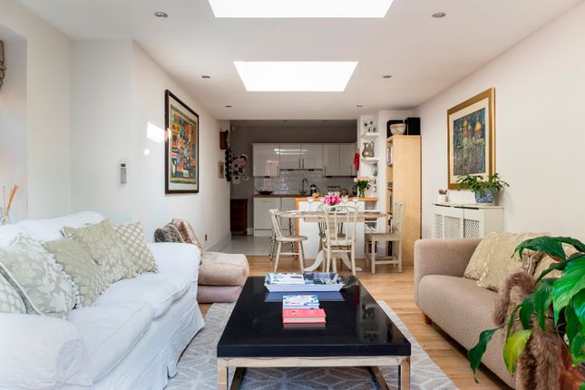Thumbnail Flat to rent in Lavender Gardens, London