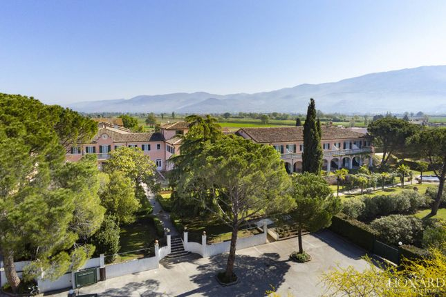 Thumbnail Villa for sale in Montefalco, Perugia, Umbria