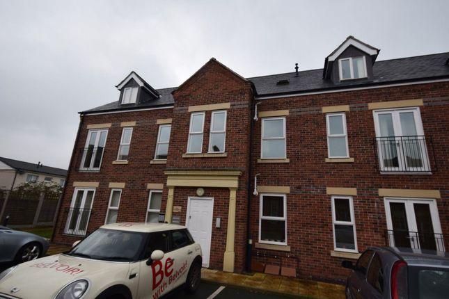 Thumbnail Flat to rent in Corunna Court, Wrexham