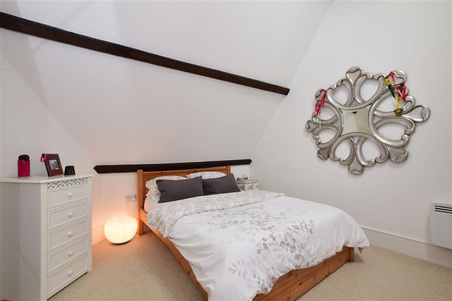 Thumbnail Flat for sale in Kavanagh Court, Brentwood, Essex