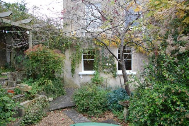 Thumbnail Flat to rent in Frankley Buildings, Bath