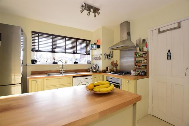 Thumbnail Flat for sale in Hilltop View, Woodford Green, Essex