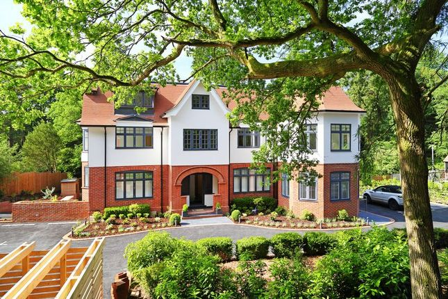 2 bed flat to rent in Tower Road, Hindhead GU26