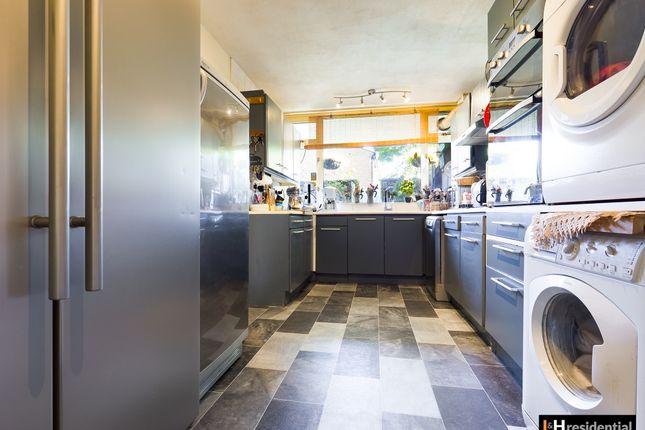 Thumbnail Maisonette for sale in Gateshead Road, Borehamwood