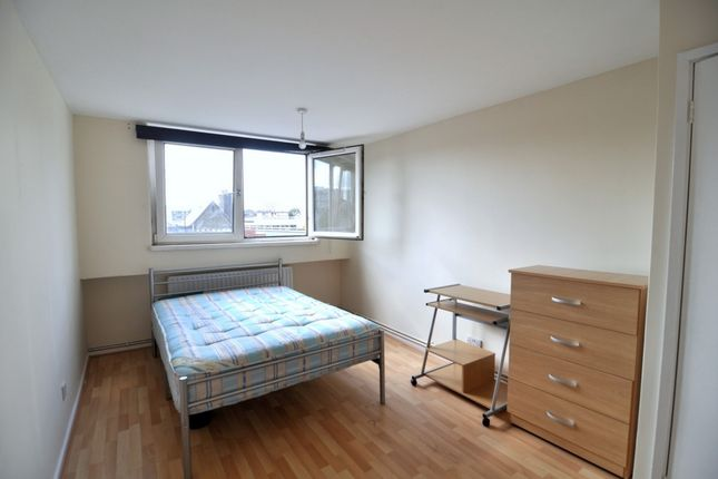 Thumbnail Shared accommodation to rent in Wedgwood House, Warley Street, Bethnal Green