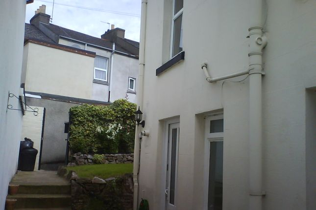 2 bed end terrace house to rent in Church Street, Torquay