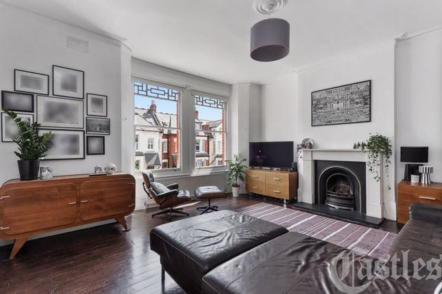 4 bed flat for sale in Dickenson Road, London N8